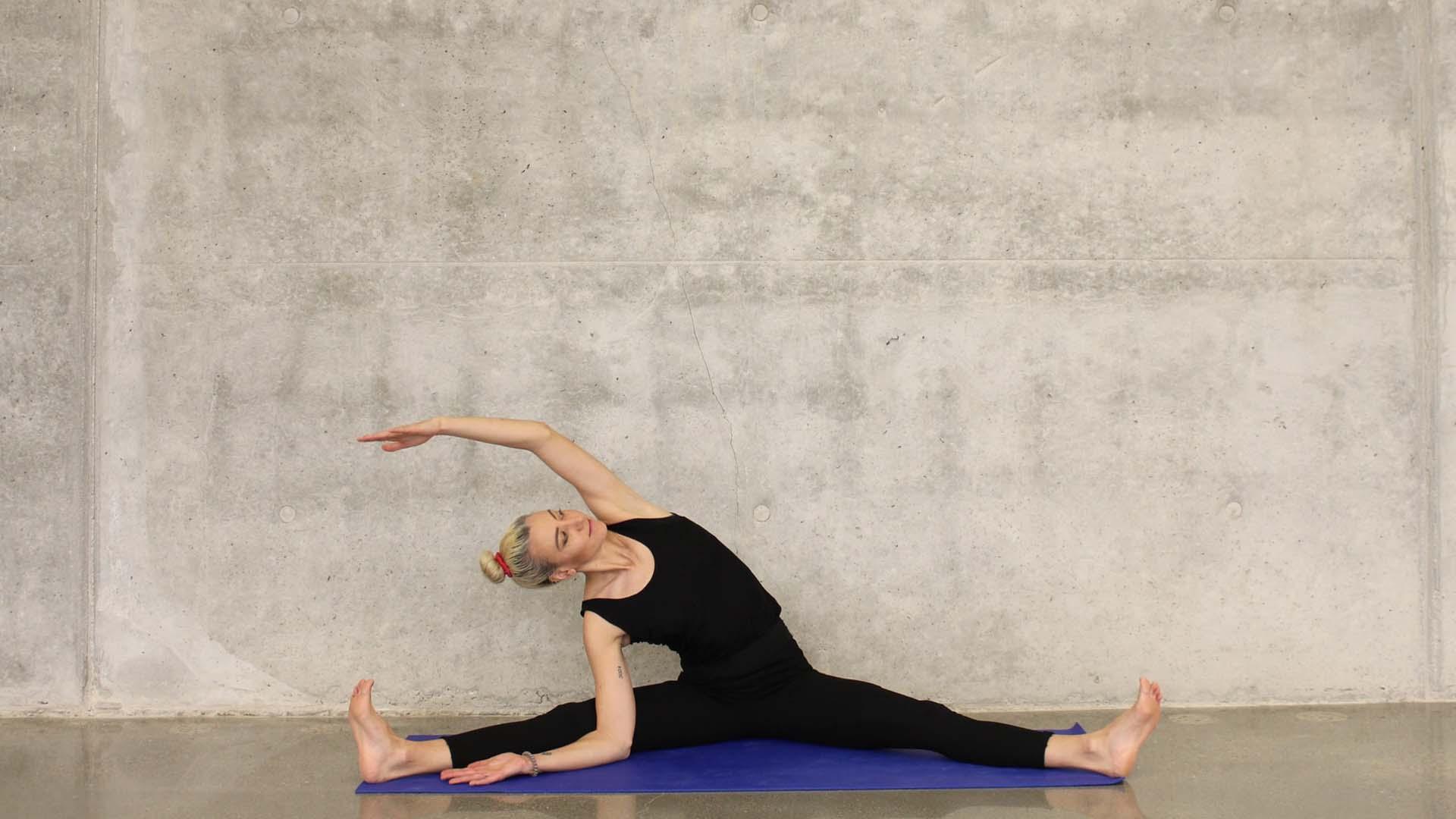 Esercizi di stretching e il riscaldamento per la danza